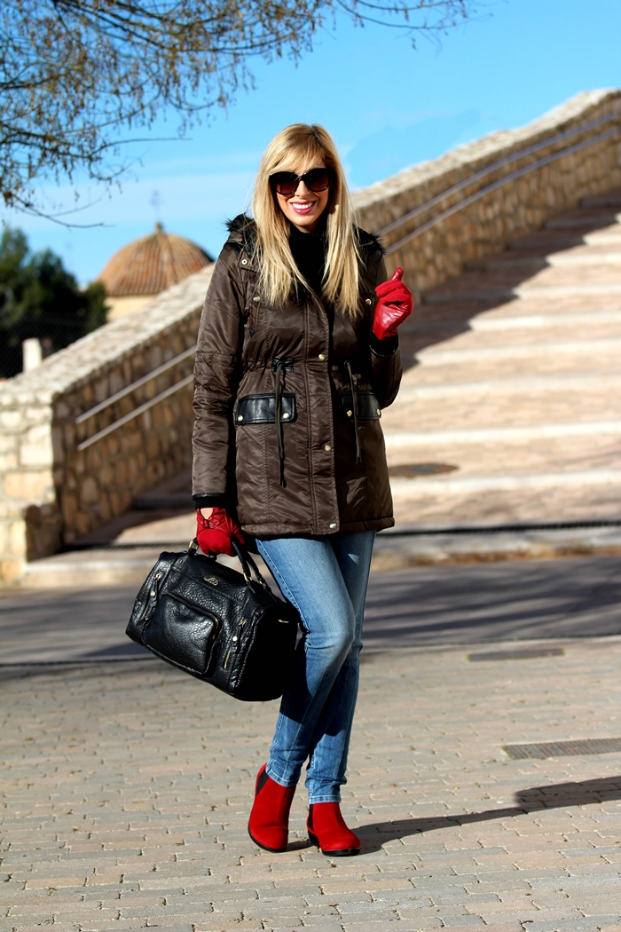 outfits-touch-of-red-teresa-quiroga1