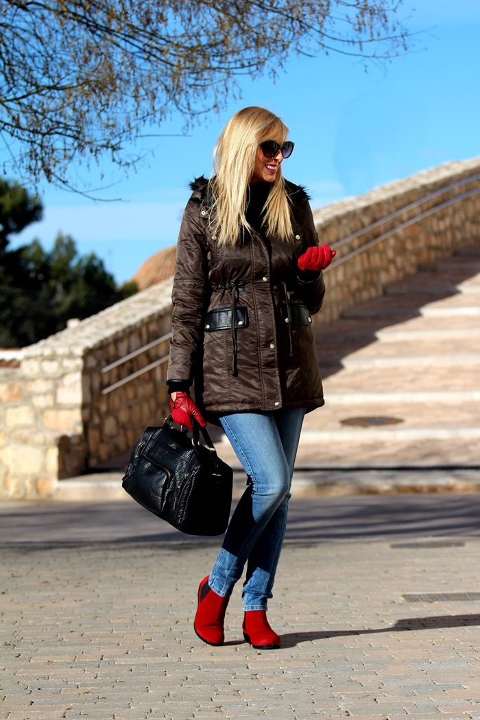 outfits-touch-of-red-teresa-quiroga3