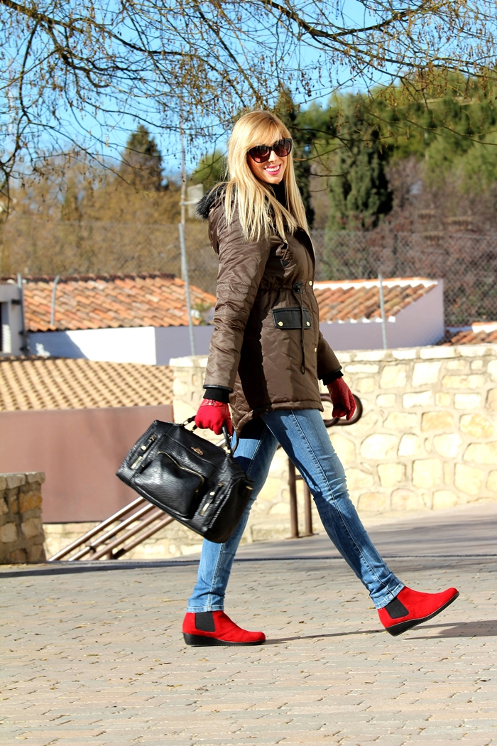 outfits-touch-of-red-teresa-quiroga9